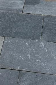 bläulich schwarz / anthrazit terrassenplatten